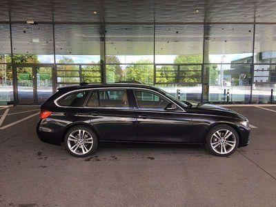 gebraucht BMW 320 3er-Reihe d x-drive Touring Luxury Line / Aut. Kombi / Family Van