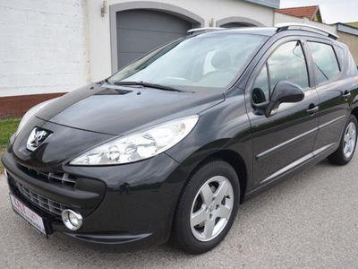 gebraucht Peugeot 207 Active 1,4 16V VTi *1.Besitz*Klima*P-Dach*