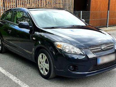 used Kia pro_cee'd cee'd / 1.6 CRDi Cool DPF ISG Limousine,