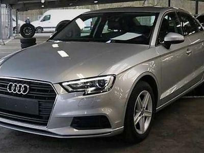 gebraucht Audi A3 1,6 TDI Limousine Xenon, SHZ, Navi, Sportfahrw.