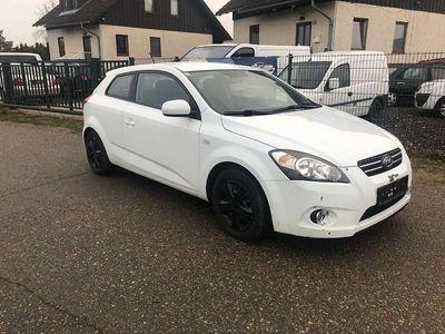 gebraucht Kia pro_cee'd 1.6 CRDI Sportwagen / Coupé