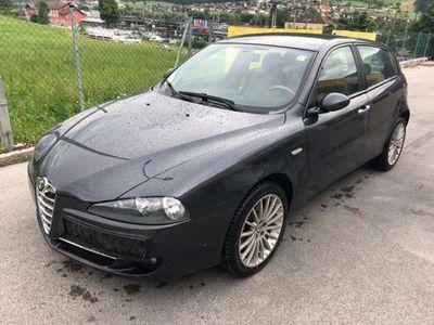 gebraucht Alfa Romeo 147 1,9 jtd Klein-/ Kompaktwagen