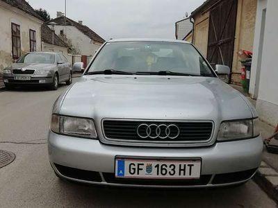 gebraucht Audi A4 1.9 Klein-/ Kompaktwagen