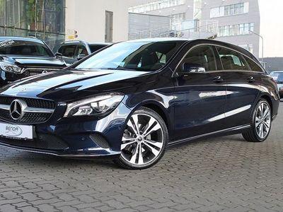 gebraucht Mercedes CLA220 Shooting Brake CLA-Klasse d Aut. Kombi / Family Van,
