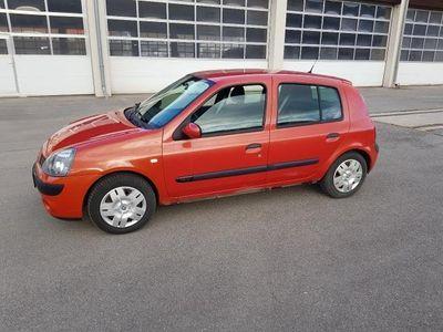 gebraucht Renault Clio Sign 1,2 16V