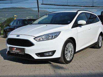 gebraucht Ford Focus Traveller 1,5 NAVI FREISPRECH PDC ERSTBE. Kombi / Family Van
