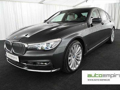 gebraucht BMW 730 7er-Reihe d NAVI/LED/H-UP/FERN-PARKEN/SOFTCLOSE/19-ZOLL Limousine