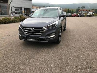 gebraucht Hyundai Tucson 2,0 CRDI 4WD Style Launch
