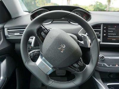 gebraucht Peugeot 308 sw, allure, Keyless, LED, Kamera, AHK, Denon-Sound Kombi / Family Van