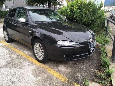 gebraucht Alfa Romeo 147 1.9 JTD 16V M-Jet DPF Fix preis Euro4 PerfektKlima