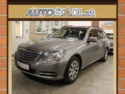 gebraucht Mercedes E200 E-KlasseT/Navi/MFL/Alu/PDC/Temp./elektr.Sitze/ Kombi / Family Van,