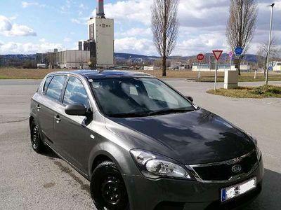 gebraucht Kia cee'd 1.6 CRDi 115 PS Diesel Klein-/ Kompaktwagen