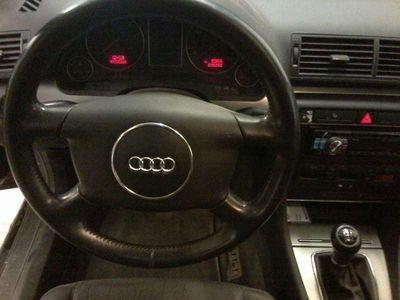 gebraucht Audi A4 Klein-/ Kompaktwagen