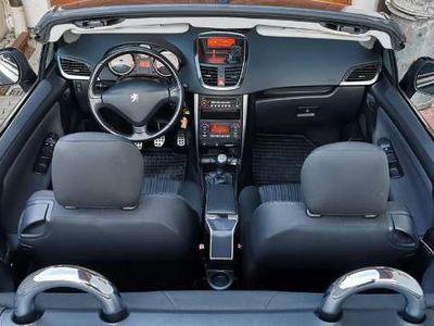 gebraucht Peugeot 207 CC Active 1,6 16V Cabrio / Roadster