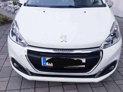gebraucht Peugeot 208 Style 1,2 Pure Tech 82 Klein-/ Kompaktwagen