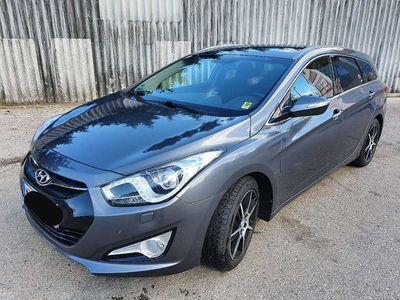 gebraucht Hyundai i40 Style 1,7CRDi DPF Kombi / Family Van