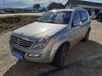 gebraucht Ssangyong Rexton 2,7 Xdi Premium AWD Aut. SUV / Geländewagen