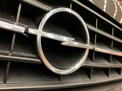 gebraucht Opel Senator 2,5E 6 Zyl. Automatic Sportwagen / Coupé