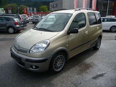 gebraucht Toyota Yaris Verso 1,4 D-4D Linea Sol Ds. Kombi / Family Van,