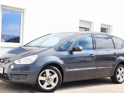 gebraucht Ford S-MAX Titanium 2,0 TDCi DPF Aut. Kombi / Family Van
