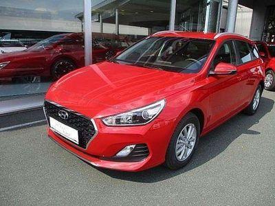 gebraucht Hyundai i30 CW 1,4 MPI Click Kombi / Family Van