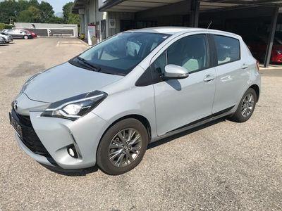 gebraucht Toyota Yaris 1,0 VVT-i Active Klein-/ Kompaktwagen,