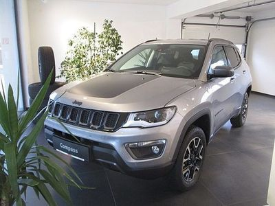 gebraucht Jeep Compass 2,0 MultiJet AWD 9AT 170 Trailhawk Aut.