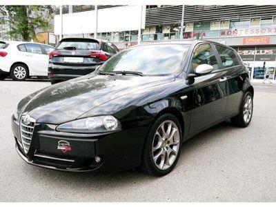 gebraucht Alfa Romeo 147 147 Alfa1,9 JTDM Blackline M-Jet Klein-/ Kompaktwagen,