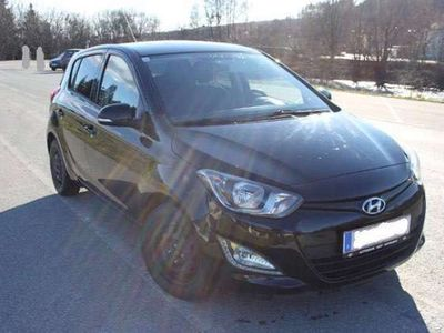 gebraucht Hyundai i20 1,25 Life Go