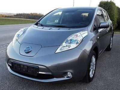gebraucht Nissan Leaf (mit Batterie) Tekna 30 kWh/LED/Navi/Typ1 bis 6,6kW/ Limousine,