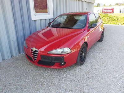 gebraucht Alfa Romeo 147 1.9 diesel 120pw Klein-/ Kompaktwagen