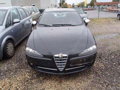 gebraucht Alfa Romeo 147 Alfa 1,6 T.Spark Inizio