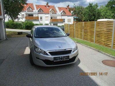 gebraucht Peugeot 308 1,2 VTi 82 Active