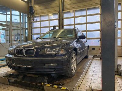 gebraucht BMW 323 3er-Reihe E46 i Kombi / Family Van