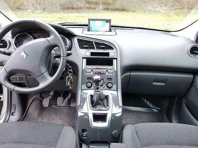 gebraucht Peugeot 5008 1,6 e-HDi 115 FAP ASG6 Active
