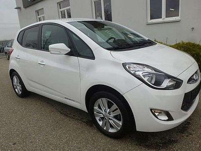 gebraucht Hyundai ix20 1,4 CVVT Go Kombi / Family Van