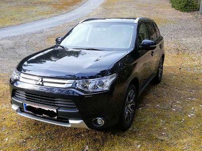 gebraucht Mitsubishi Outlander 2,2 DI-D 4WD Intense Cleartec SUV / Geländewagen