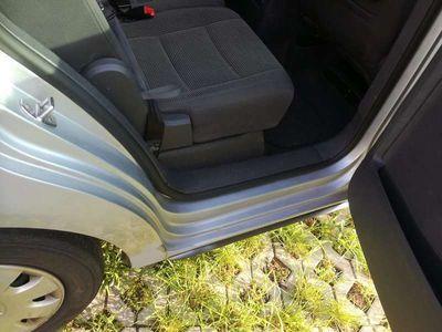 gebraucht VW Touran Highline 1,9 TDI Kombi / Family Van