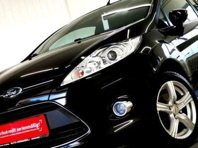 gebraucht Ford Fiesta * Titanium * ERSTBESITZ ! ** Pickerl+Service+Zahnriemen ** NEU !! ** TOP ** Klein-/ Kompaktwagen