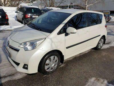 gebraucht Toyota Verso-S 1,4 D-4D90 Active DPF Kombi / Family Van