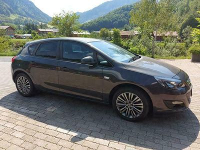 gebraucht Opel Astra aus Au - 88 kW und 60000 km