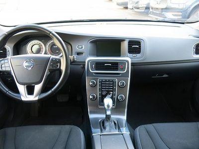 gebraucht Volvo V60 D3 A-Geartronic Momentum