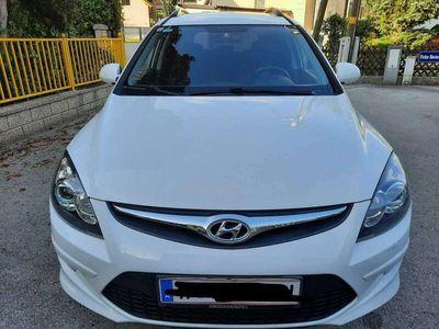 gebraucht Hyundai i30 CW 1,4 CVVT Europe plus