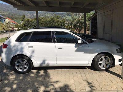 gebraucht Audi A3 Sportback 1,6 TDI Klein-/ Kompaktwagen