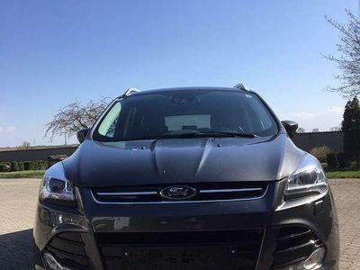 gebraucht Ford Kuga Titanium 4x4, 2,0 TDCI DPF Power Shift, Start/Stop SUV / Geländewagen
