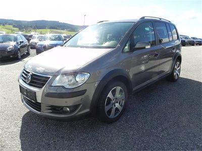 1 4 Gebraucht Vw Touran Cross 2 0 Tdi Dpf Dsg Van Minivan