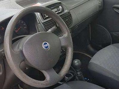 gebraucht Fiat Punto 1.2 benzin Klein-/ Kompaktwagen,