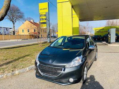 gebraucht Peugeot 208 Style 1,2 VTi 82**Top-Ausstattung,Neues Pickerl** Limousine,