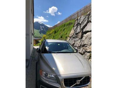 usata Volvo XC70 D5 Momentum AWD Geartronic Aut.