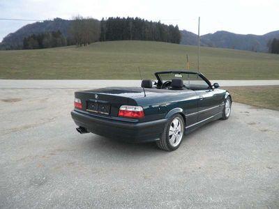 gebraucht BMW 318 Cabriolet 3er-Reihe i Cabrio Österreich-Paket Pi. 1/2021 NEU !!! / Roadster